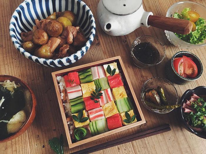 mosaic-sushi-8-57bfe926eba40__700
