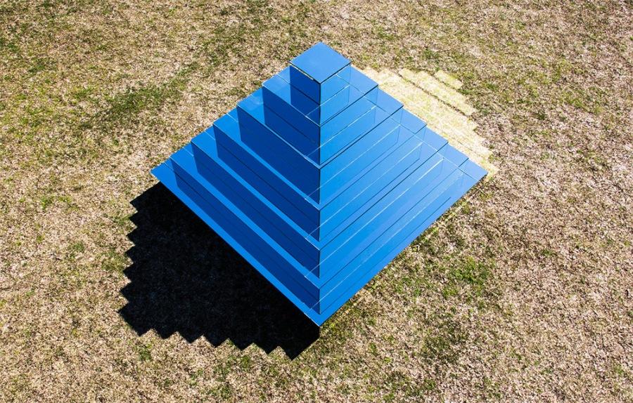 mirror-pyramid-1