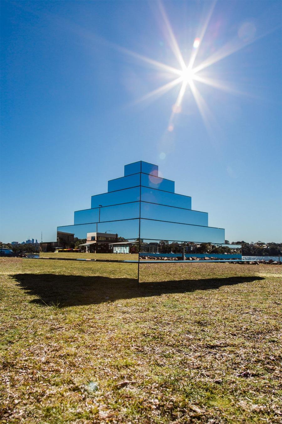 mirror-pyramid-2