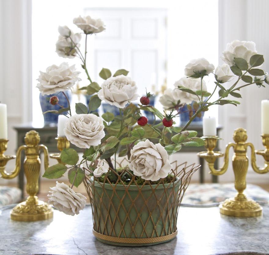 the-ukrainian-man-who-grows-porcelain-flowers-6__880