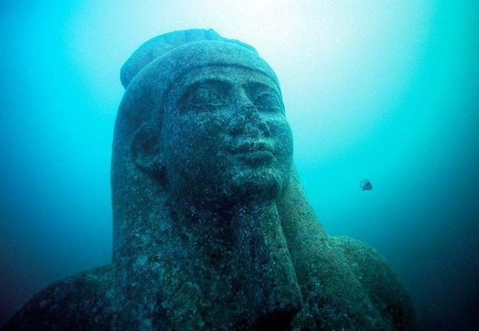 2015-10-16 19_13_30-Lost Egyptian City Found Underwater After 1200 Years «TwistedSifter - Internet E