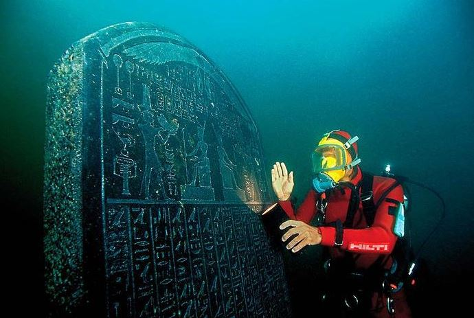 2015-10-16 19_14_14-Lost Egyptian City Found Underwater After 1200 Years «TwistedSifter - Internet E