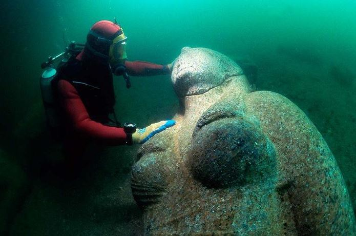 2015-10-16 19_14_28-Lost Egyptian City Found Underwater After 1200 Years «TwistedSifter - Internet E