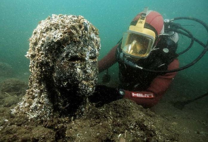 2015-10-16 19_14_54-Lost Egyptian City Found Underwater After 1200 Years «TwistedSifter - Internet E