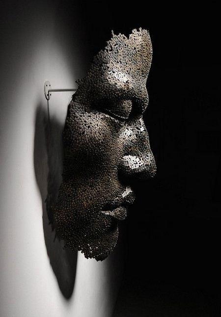 Yeong-Deok-Seo.-Skulptura-iz-velosipednoy-tsepi-dvenadtsataya
