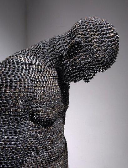 Yeong-Deok-Seo.-Skulptura-iz-velosipednoy-tsepi-shestaya