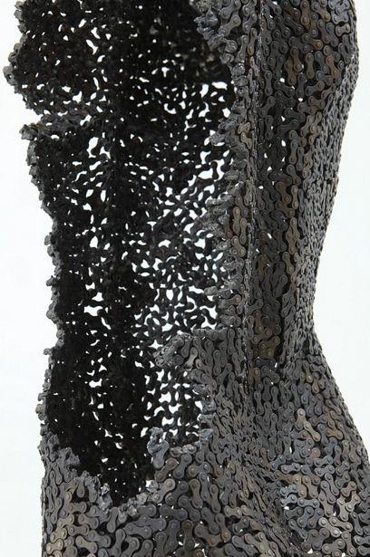 Yeong-Deok-Seo.-Skulptura-iz-velosipednoy-tsepi-vtoraya