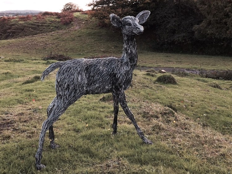 candice-bees-wire-sculptures-13